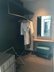 Suite walk-in wardrobe